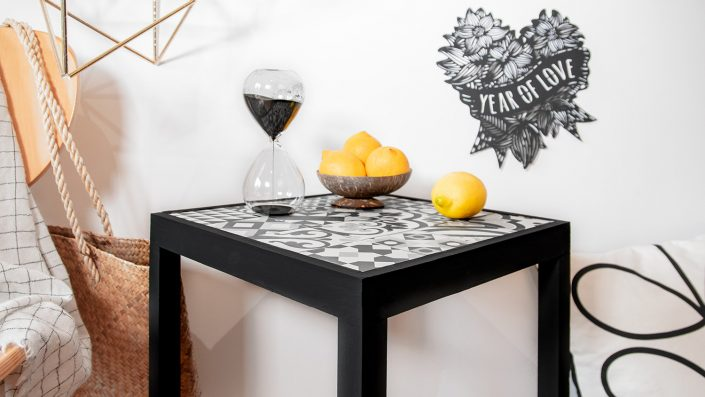 table en carreaux de ciment